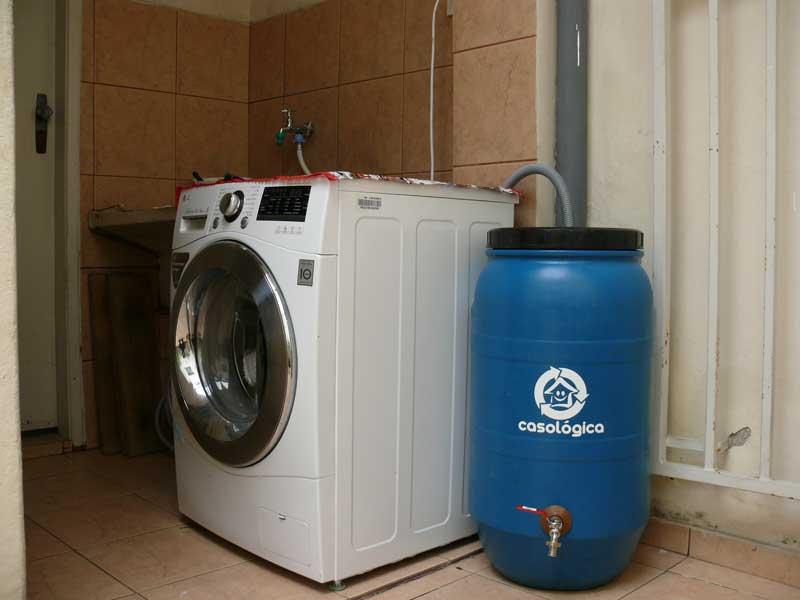 Eco Tanque 80 litros Acoplado na Máquina de Lavar para Água de reuso